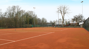 Outdoor tennisbaan bij Fletcher Resort-Hotel Zutphen